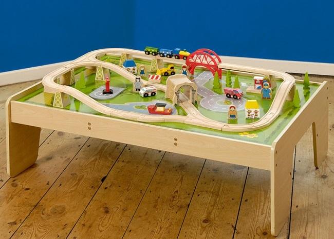 drveni-vlak-miza